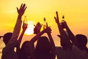 Grand Mercure Rio recebe sunset party gay