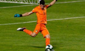 Opinião: Punição ao Brasil por gritos homofóbicos na estreia da Copa América tem que ser maior