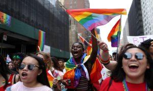 Saiba como prevenir o suicídio de jovens LGBTQ+ durante a quarentena