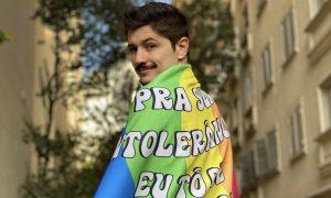 De Férias com Ex: Páginas se posicionam contra comentários homofóbicos para Rafa Vieira