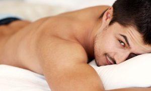 Gays estão com mais tesão, mas nem por isso furando a quarentena