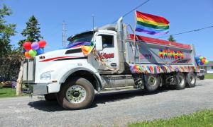 Cidade recusa celebração do orgulho gay por não ter para orgulho hétero