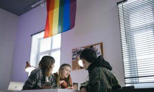 Câmara LGBT lança cadastro de empresas LGBT brasileiras