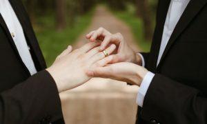 Vaticano proíbe benção ao casamento gay