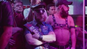Documentário sobre homens de couro disponível em plataforma de streaming (vídeo)