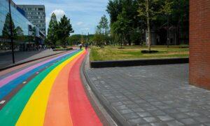 Inaugurada ciclovia arco-íris na Holanda, que é a maior do mundo