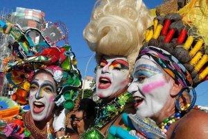 Carnaval gay ganha as ruas do Brasil