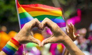 Em dia histórico, criminalização da homofobia consegue maioria no STF