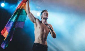 Imagine Dragons fala sobre terapia de conversão no Billboard Music Awards