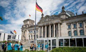 Alemanha proíbe Terapia de Conversão em menores de idade