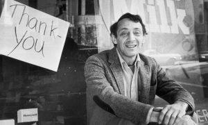 Harvey Milk Day: Qual a ligação do ativista com a bandeira do orgulho LGBT