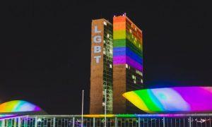 Congresso recebeu as cores do arco-íris pela primeira vez
