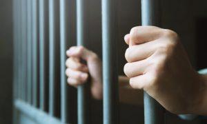 """Polícia tortura blogueiro para ele """"confessar"""" que é gay"""