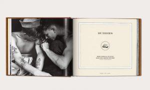 Brotheragem! Fotos raras mostram soldados nus se divertindo com amigos na II Guerra Mundial
