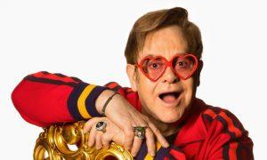 Vem ver: Elton John virou Barbie!