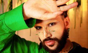 Cantor lança clipe e marca de roupa com parte da renda para instituição LGBTI+
