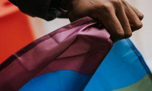 IBGE exclui dados sobre população LGBTI+ no Censo