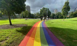 Sydney ganha caminho arco-íris em parque