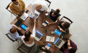 Com quase 1/4 dos funcionários LGBT, empresa de tecnologia cria coletivo de diversidade e inclusão