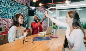 Feira oferece oportunidade de trabalho para LGBTs jovens